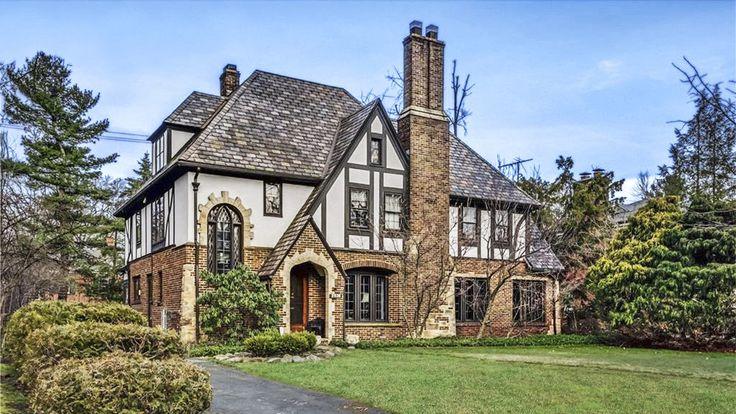 269 best english tudor style homes images on pinterest for English tudor style house