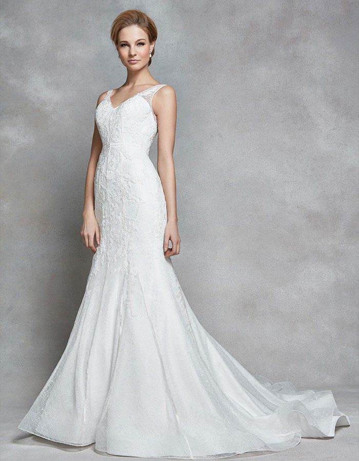 This Figure Flattering Mermaid Gown Allegra Is A Contemporary Twist On Classic Style Delicate Lace And Embroidery Contours The Body Soft Scoop