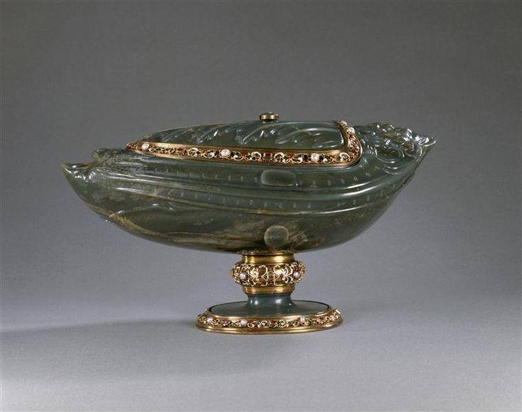 Coupe couverte en jade, entrée dans la collection de Louis XIV entre 1684 et 1701 – Milan, vers 1600 - Paris, Musée du Louvre