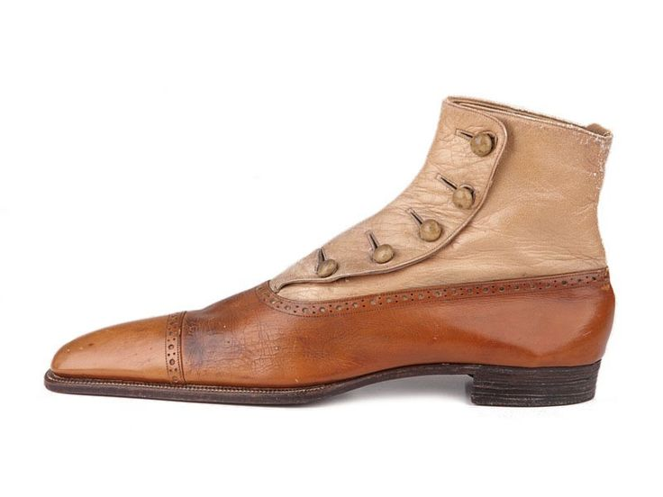 Men's high boots with two-tone brown upper closing with five buttons, 1910-18