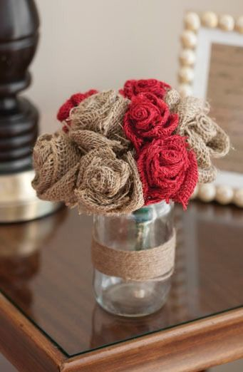 DIY Burlap Rose Bouquet | Fill your home with fabulous fall home decor crafts