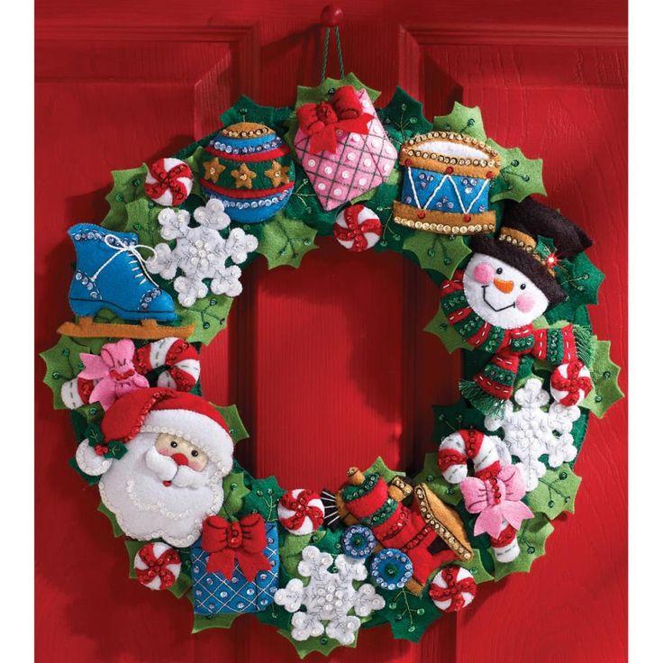 """Christmas Toys Wreath Felt Applique Kit-16"""" Round"""