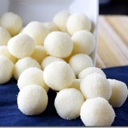 These White Chocolate Lemon Truffles make an elegant Easter dessert!