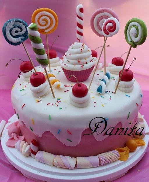 Candy cake  http://leleccorniedidanita.blogspot.it/2012/08/candy-cake-per-la-mia-principessa.html