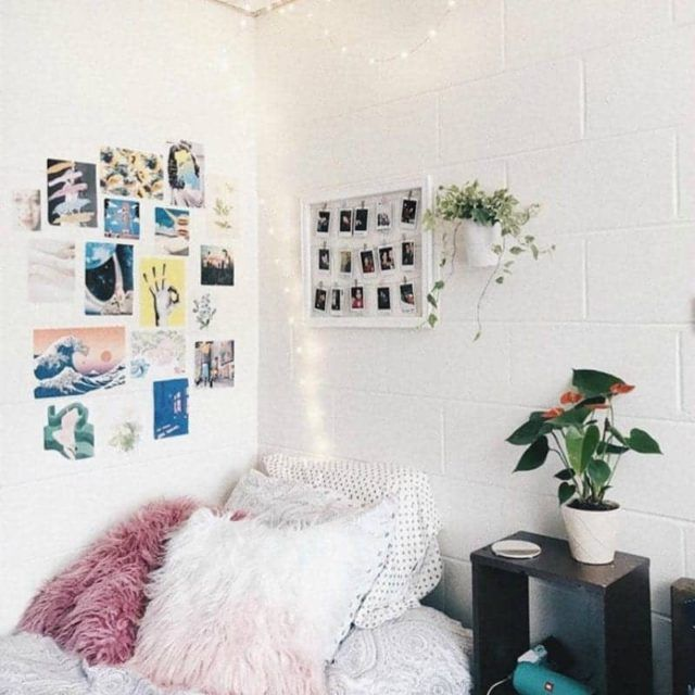 20 College Dorm Room Ideas To Channel Your Inner Minimalist With Minimalist Dorm Dorm Room Decor Modern Minimalist Living Room