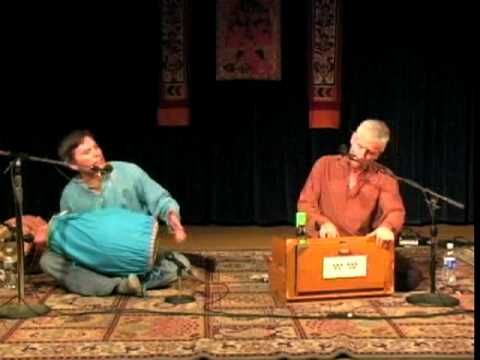 Jai Uttal and Radhanath Das performing Kirtan
