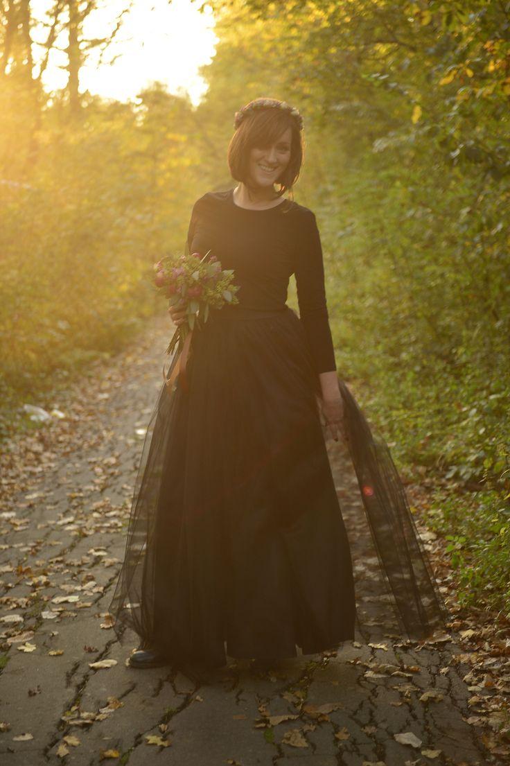 Black tulle skirt long autumn flower crown flower bouquet