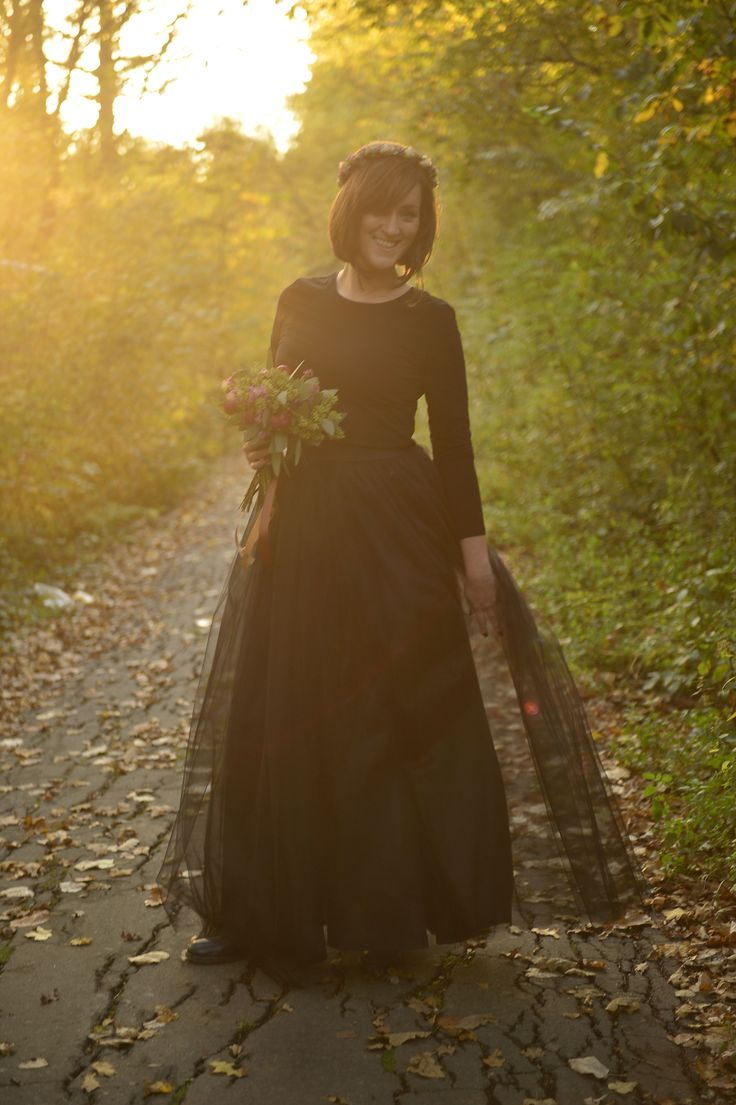 Black tulle skirt long autumn flower crown flower bouquet