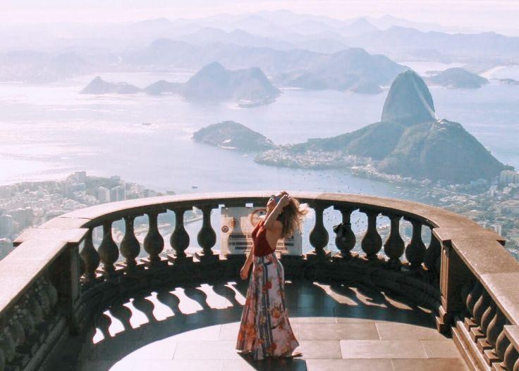 O Rio tem tanta coisa para fazer, que todo dia a gente descobre uma coisinha nova. Selecionei as coisas mais legais que faço em ares cariocas, sem ordem, sem roteiro, despretensiosamente mesmo. Escolha o que fazer no Rio de Janeiro. E também se apaixone!