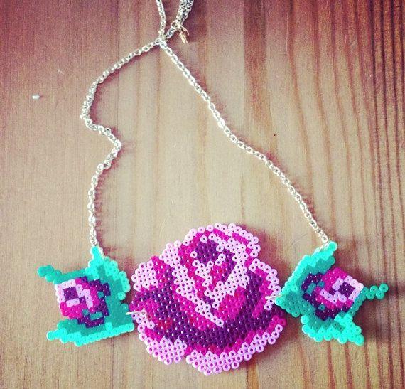 Romantic Rose necklace hama perler beads http://www.creactivites.com/229-perles-a-repasser