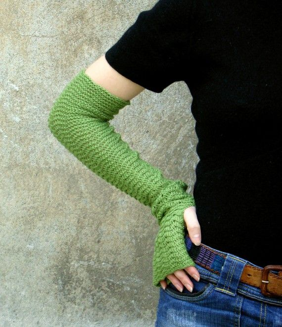 Fresh Spring Green Zigzac Arm Warmers by deliriumkredens on Etsy