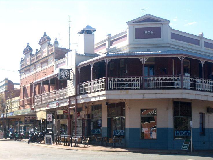 Old Aussie pub.