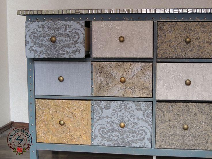 ГАРМОНИЧНО, если мебель находится в общей стилистике с декоративными материалами,  УДОБНО, если от ремонта остаются шторные ткани, запасы обоев, плитки, КРАСИВО, когда в интерьере есть эксклюзивный комод ручной работы)😉 #декорирование #ремонт #хендмейд #ручнаяработа #комод #мебель #печворк #эксклюзив #подарок #женское #furniture #decor #handmade #woodwork #magicwood