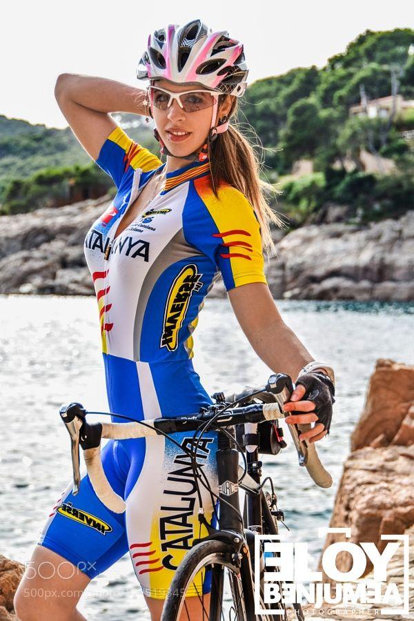 female cyclist-taty by EloyBenjumea