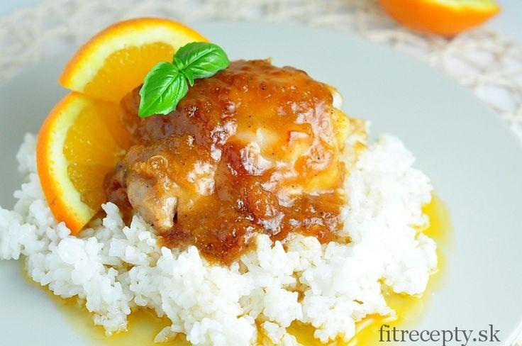 Opäť neviete čo variť? Skúste napríklad tieto výborné kuracie stehná s jemne sladkou pomarančovou omáčkou. Ich príprava je veľmi jednoduchá, nezaberie vám viac ako 10 minút a výsledok naozaj stojí za to. Ingrediencie (na 4 porcie): 500g kuracích stehien (zbavenýchkože a kosti) na omáčku: 3 PL olivového oleja 3 PL sójovej omáčky 3 PL paradajkového […]