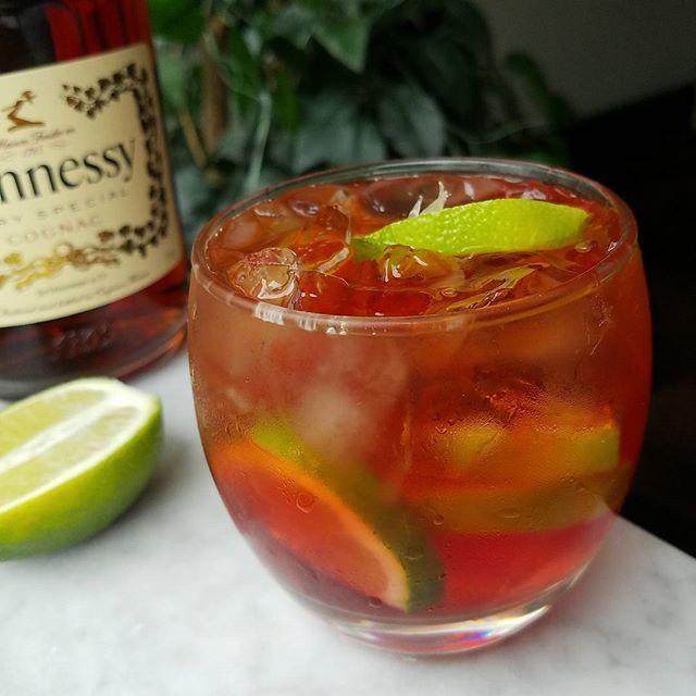 """The Nightclub""  #six8drinks #hennessy  In a ""Rocks Glass"" add limes ,ice, 1oz Hennessy, 1/2 oz grand marnier, cranberry juice, splash of cranberry ginger ale.  #cognac #cocktail #trendsetter #inspiration #elegance #craftcocktails #dopedrinks #original #creative #fun #turnup #detroit #cleveland #atlanta #tipsybartender #limes #food #drinks #eeeeeats #foodgram #foodporn #foodie #eat #goodness #tipsybartender #alcohol #france"