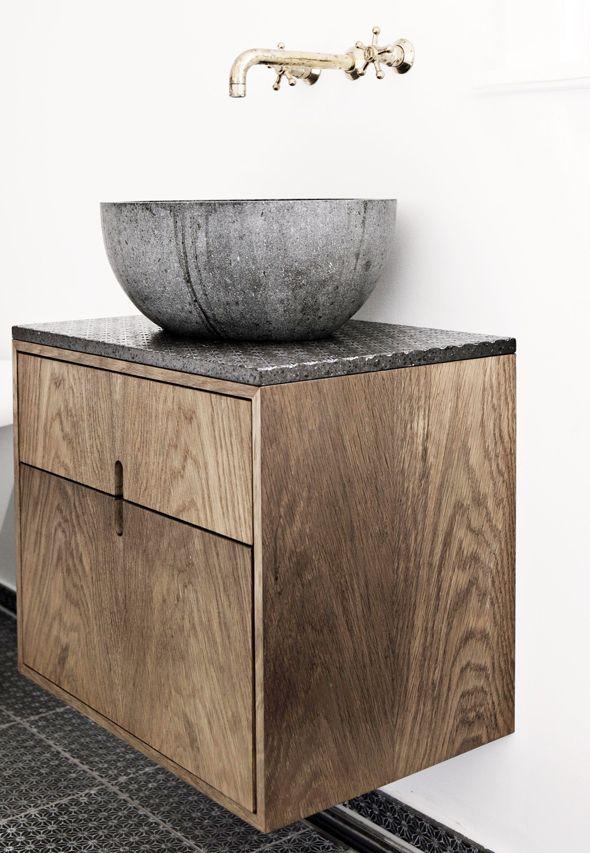 houtlook tegels badkamer en kiezels | Badkamer inrichting en styling inspiratie | Interieur design by nicole ...