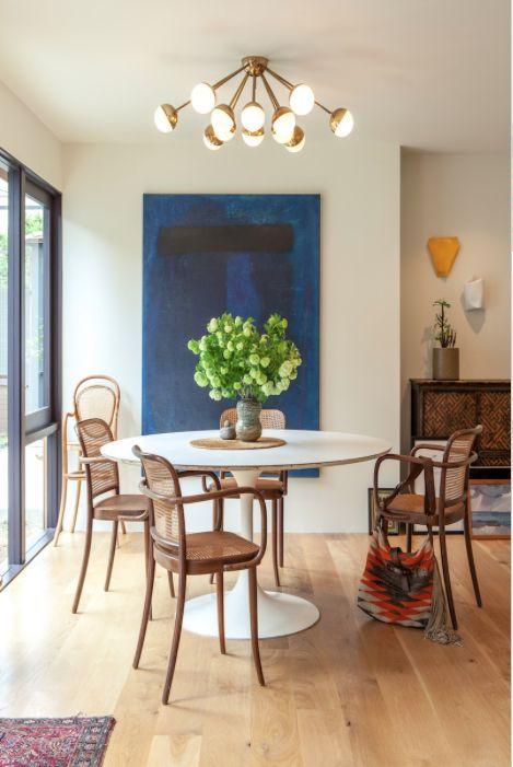 tulip-table-jenni-kayne-thonet-chairs.jpg 469×701 pixels