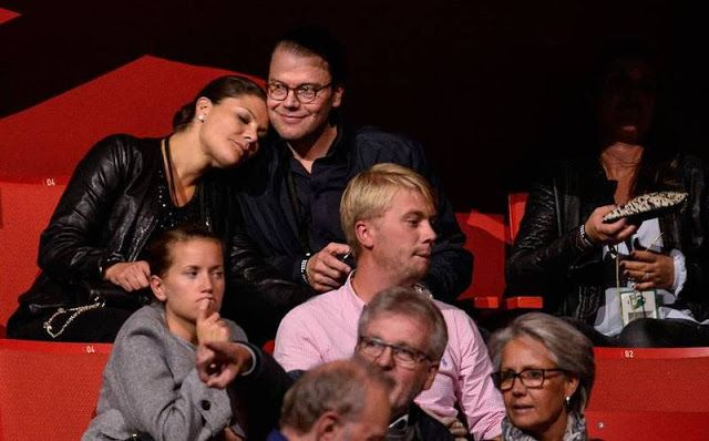 Royals & Fashion - Victoria and Daniel attended the U2 concert in Stockholm, where Bono dedicated a song to the princess. He did the same when Madeleine attended their concert in 2009.