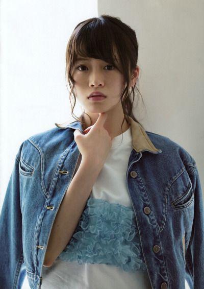 ファッションモデルの山崎怜奈さん