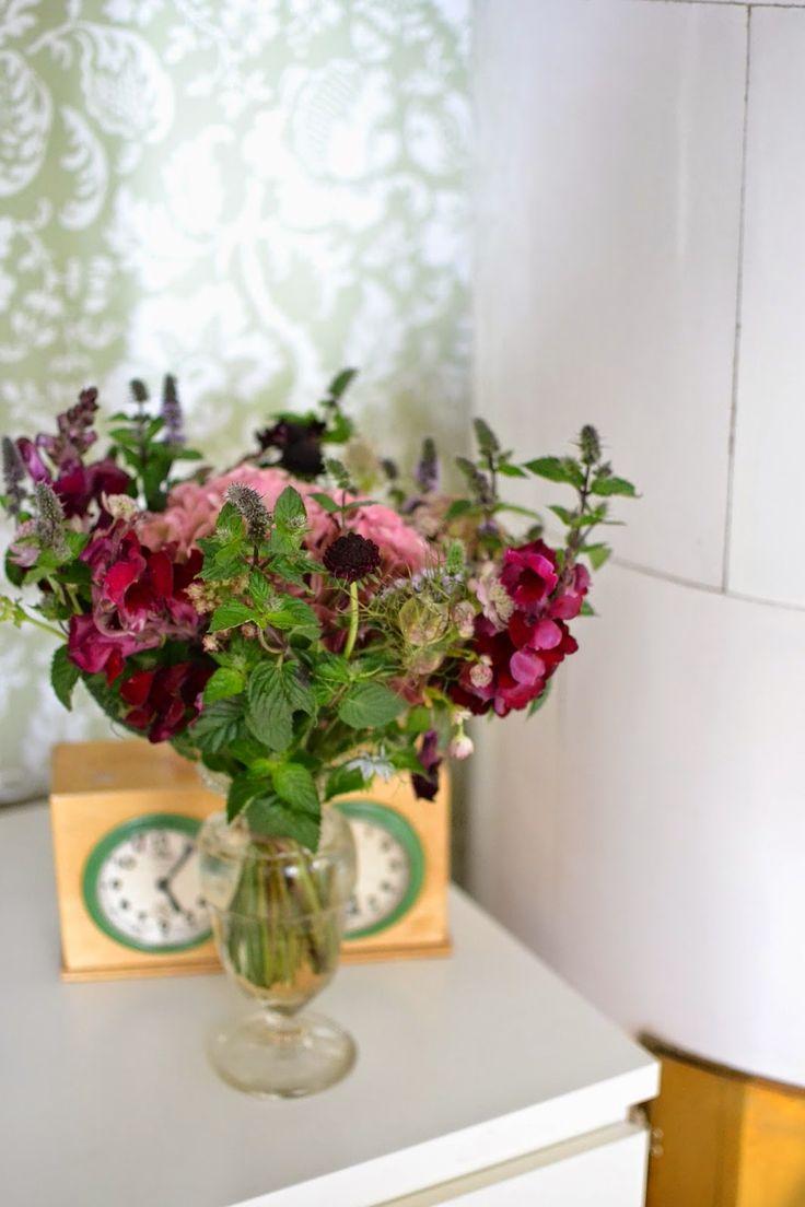 Lilla P och Långa B: Fina blommor Bibliotek, Blommor, Kakelugn