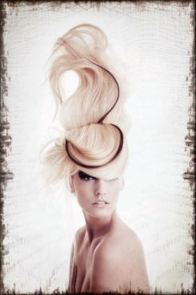 I think this is so the winner for prom hair.. please no one steal my idea.