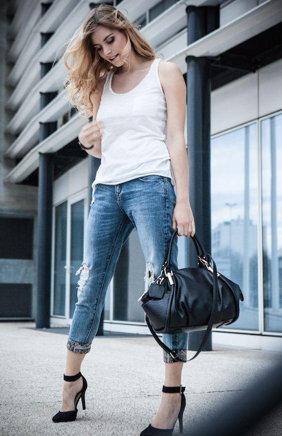 ... Jean Troué Femme sur Pinterest  Outfit jeans, Jean noir troué et