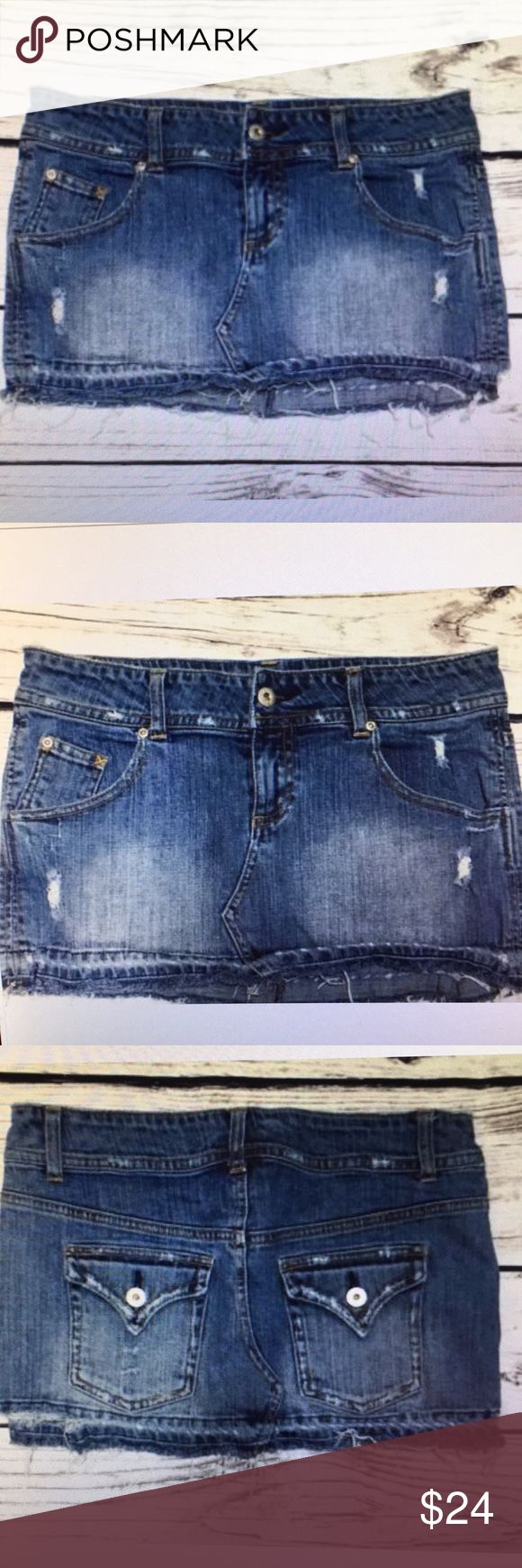 Taunt Junior Size 5 Shredded Mini Skirt Todd junior size 5 destroyed shred it Jean miniskirt grunge five pocket cotton blend. 15 inch waste laying flat 15 1/2  inch hip 11 inches in length from top to hem Taunt Skirts Mini