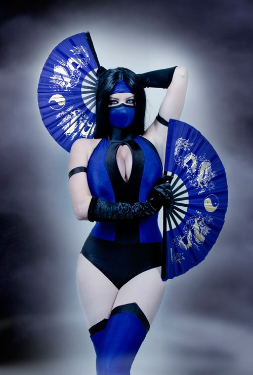 Mortal Kombat Kitana Cosplay. There is talk of a future zombie group Mortal Kombat cosplay :)