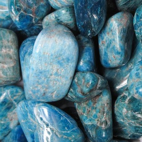 Beautiful blue apatite motivates, increases will and endurance, and promotes independence. Excellent for creative problem solving, visualization, and dream work, Apatite connects us with the subconsci