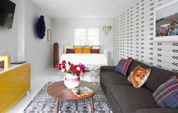 Feel the '60s love at this Woodstock-inspired boutique hotel. With 11 rooms available, your artistic company will feel the inspiration of Jimi Hendrix, The Who and The Grateful Dead. | Photo Credit: Hotel Dylan
