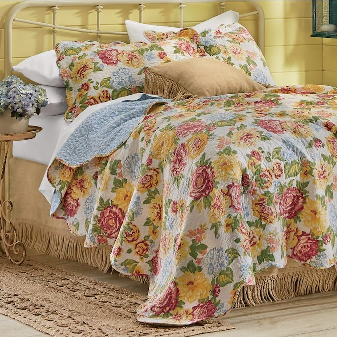 Rosalie Oversized Quilt And Sham In 2020 Quilt Bedding Quilts Bed