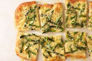 Cheesy Asparagus Pizza Image 3