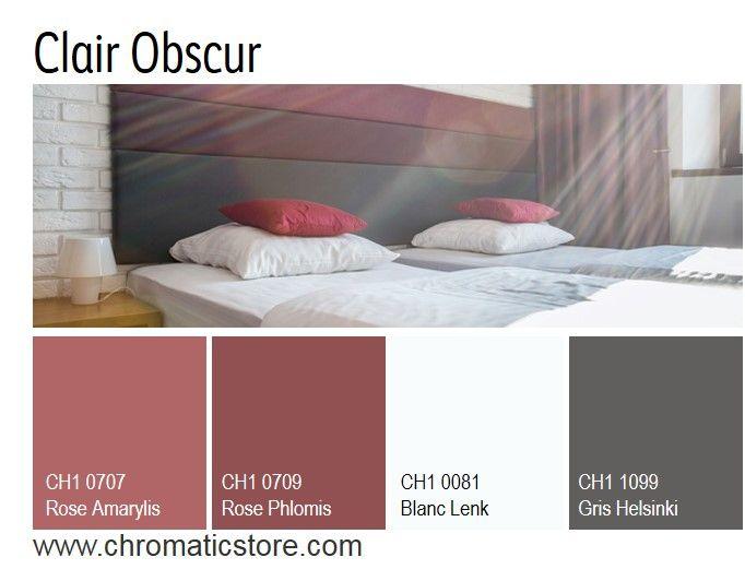 Une atmosphère raffinée et contemporaine pour cette chambre associant des tonalités sombres et grisées de roses et de gris foncé. www.chromaticstore.com. #deco #inspiration #gris #rose