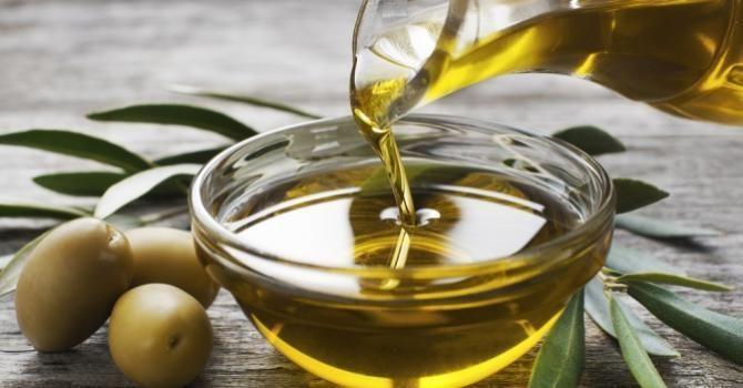 10 aliments beauté à adopter - L'huile d'olive   Fourchette & Bikini