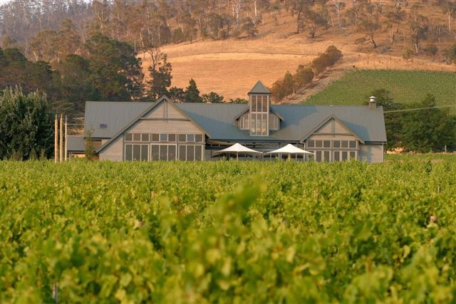 One of Tasmania's most awarded wineries and restaurants, Frogmore Creek (formerly Meadowbank Estate) features a stunning a la carte restaurant, function and wedding facilities, two art galleries and a cellar door, all with spectacular views over the Coal River Valley.