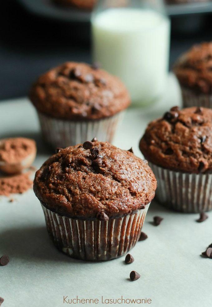 Muffinki bez cukru, sprężyste, pełne smaku i aromatu. Z dodatkiem kakao i chipsów czekoladowych, z przyjemnym posmakiem bananowym. Dzi...