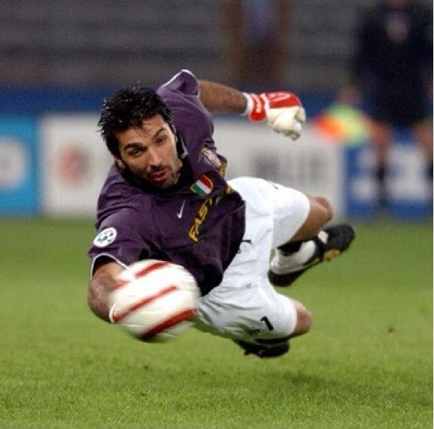 Gianluigi Buffon ( Juventus & Italy)⚽