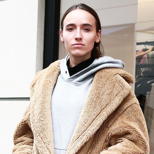 PARIS SNAP憧れマックスマーラのコートをストリートシックに着こなす