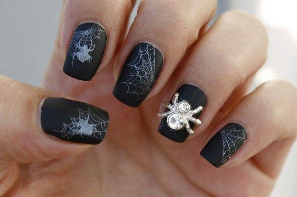 nail art halloween spin, spider, stud,rimmel velvet matte nagellak