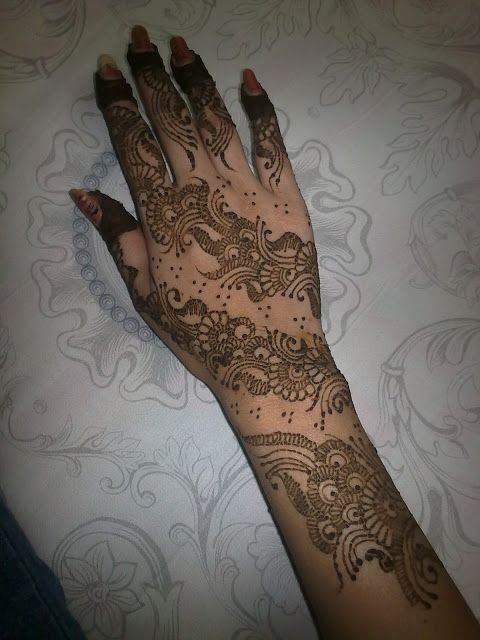 Arabic mahendi design