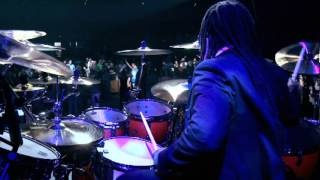 Trazendo a Arca - Invoca-Me - DVD Live in Orlando 2011, via YouTube.