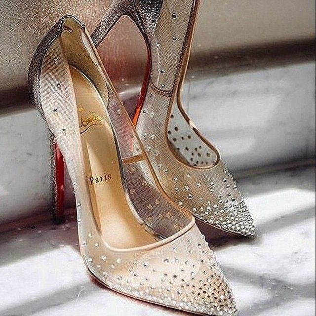 Ladies/ womens ''Guess by Marciano'' metallic mini stiletto designer shoes.