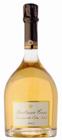 DERBUSCO Millesimato Extra Brut Derbusco Cives: dalla cantina franciacortina, a Erbusco, un vino dall'intrigante colore dorato