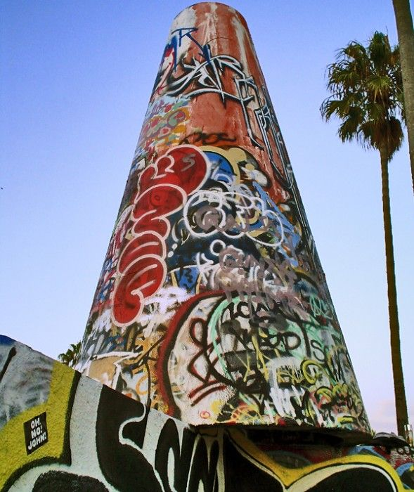 We love Venice Beach, LA! #ohnojohn #streetart #graffiti #urbanart #california #streetphotography #usa #la #losangeles