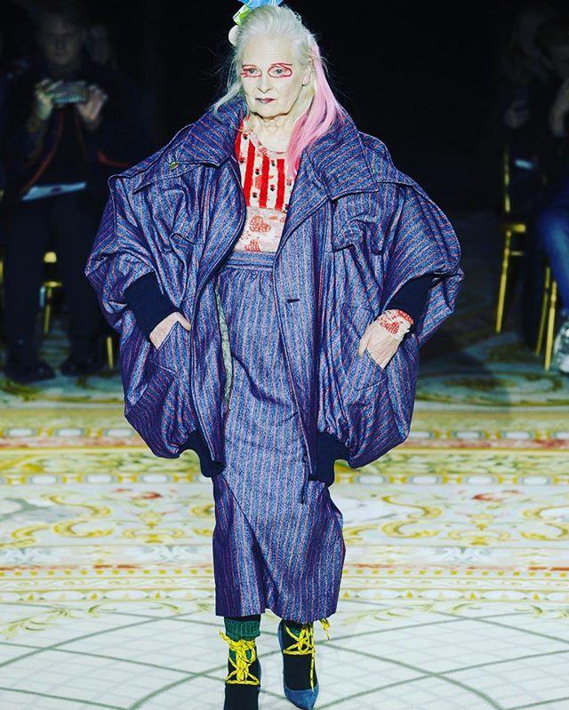 #PFW Вивьен Вествуд в качестве модели на подиуме презентовала творения мужа Андреаса Кронталера для @viviennewestwoodofficial #fw17  via HARPER'S BAZAAR RUSSIA MAGAZINE OFFICIAL INSTAGRAM - Fashion Campaigns  Haute Couture  Advertising  Editorial Photography  Magazine Cover Designs  Supermodels  Runway Models