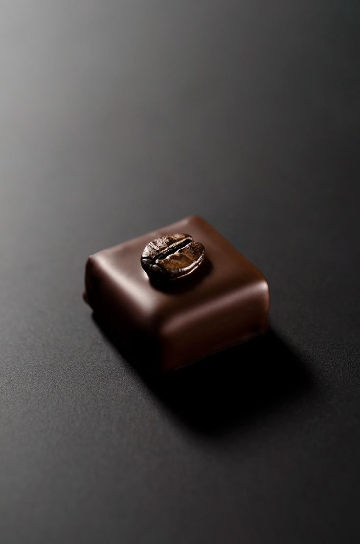 laboratorio professionale cioccolateria - pralina al caffè con cioccolato fondente