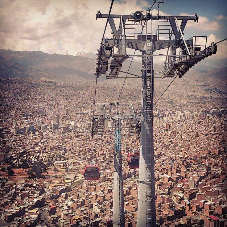 #LaPaz #Teleférico Vista desde la torre más alta del mundo. @MiTeleferico