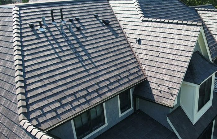 Looking Out For Expert Roof Replacement Contractor In Ny Give Us A Call And See Our Professionals Doing The Magic Righ Roofing Contractors Roof Repair Roofing
