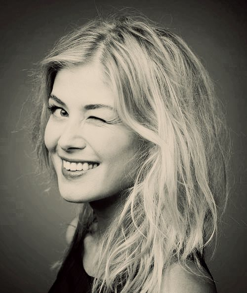 Rosamund Mary Elizabeth Pike is an English actress. Her film roles include Bond girl Miranda Frost in... (Wikipedia)